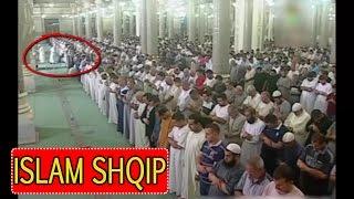 SubhanAllah Xhini tenton ta sulmoj imamin ne Namaz
