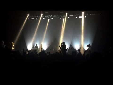 Arctic Monkeys - Pretty Visitors [Live at The Observatory, San Diego, CA - 03-05-2018]