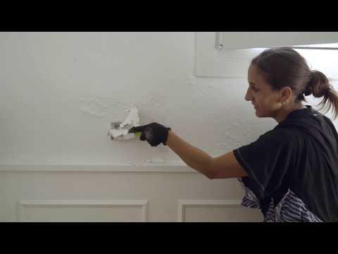 כיצד לכסות כתמי רטיבות באמצעות צבע אקרילי לכיסוי כתמים