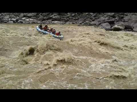 Dangerous raft flip over in Trisuli Rafting |Nepal | Rafting on Trisuli River | Accident