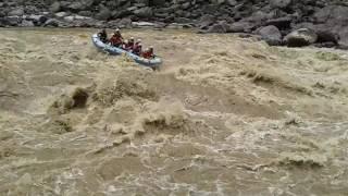 Dangerous raft flip over in Trisuli Rafting |Nepal | Rafting on Trisuli River | Accident