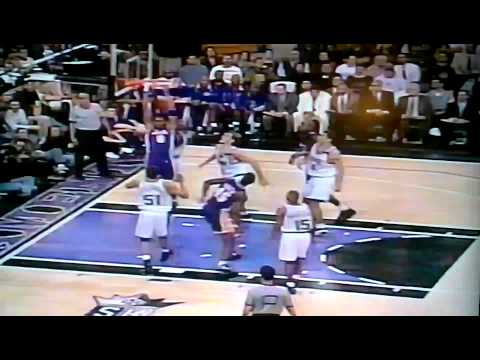 Kobe blows past Tony Delk for the reverse slam