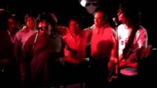 Maradona cantando