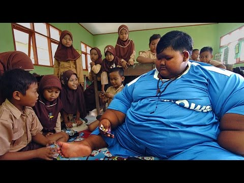 Thumbnail: World's Heaviest Kid Loses Weight To Go To School
