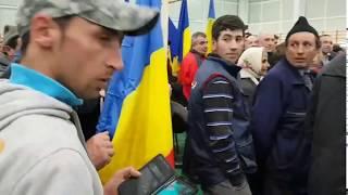 Barbatul care l-a contrazis pe Dragnea la mitingul PSD, scos din multime si bruscat de pri ...