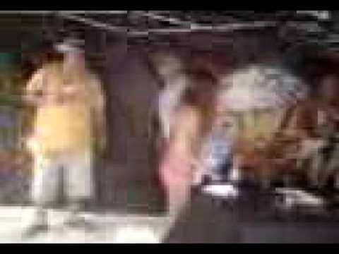 DJ LAZ SPEAKS TO A HOT GIRL