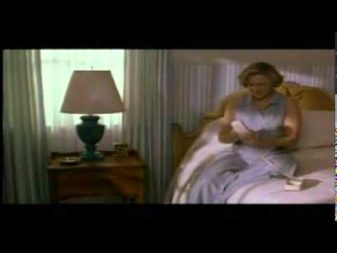 Serial Mom - Prank Call (Kathleen Turner and Mink Stole)