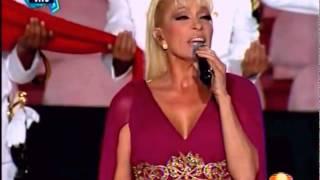 Yuri canta el Himno Nacional en los JCC Veracruz 2014