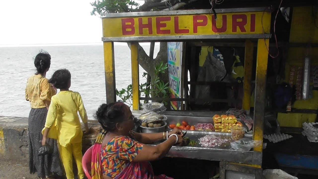 Muri Ghugni @ 15 rs plate - Breakfast in a Wonderful Place - Diamond  Harbour West Bengal India