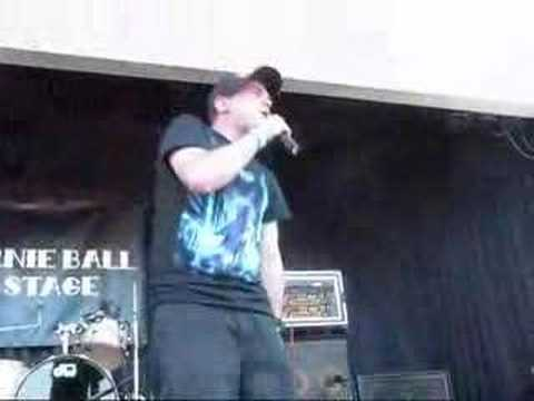 MC Chris - Nrrrd Grrrl (Warped Tour 2008)
