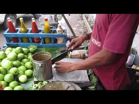 Indian Street Food Kolkata - SPECIAL Tasty Masala Pyara ( Guava ) - Bengali Street Food India