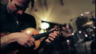 BENT KNEE – The Well (Live at The Record Co.)