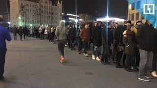 Концерт Oxxxymiron: очередь в 'Олимпийский'