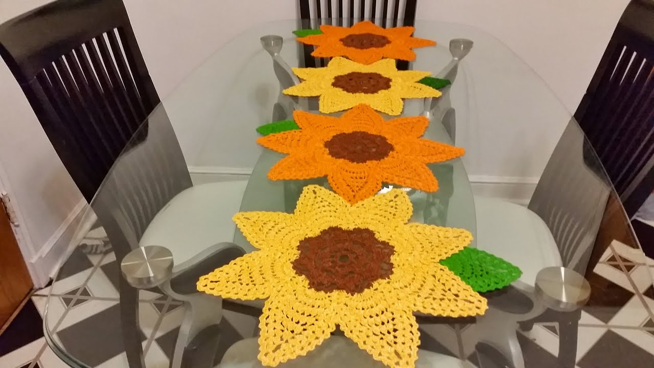 Girasoles en crochet 1 para camino de mesa youtube for Camino mesa moderno