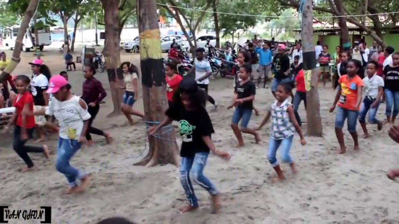 Download Wow Anak Kecil Pintar Goyang ASTER   Hip-hop Papua   Turun Naik Oles Trus & Om Telolet om