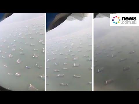 Incredible footage shows Suez chaos
