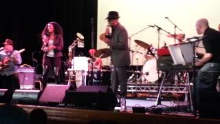 Why I Came To California - Leon Ware feat Vanessa Haynes (Live @ Islington Assembly Hall 1-02-13)