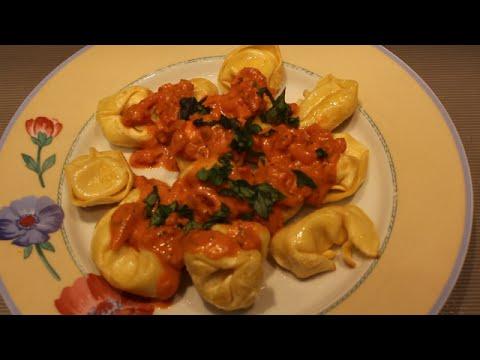 Tortellini mit Tomaten Schmand Soße
