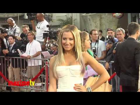 "Ashley Tisdale and Scott Speer - Premiere of ""Step up revolution"" at Hollywood (MaximoTV)"
