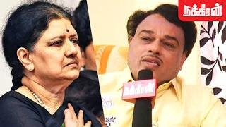 MGR Fan attacks Sasikala Over Panneerselvam's Allegation