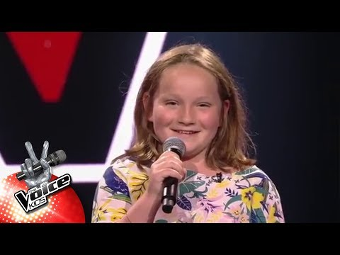 Eva - 'My Moon My Man' | Blind Auditions | The Voice Kids | VTM