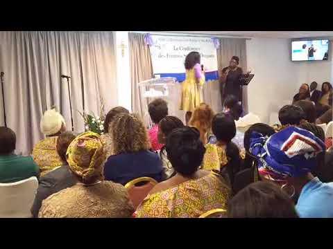 Femmes sages et d'impact By Rev. (Mrs.) Adelaide Mills