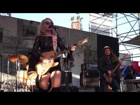 """Wild Heart"" Samantha Fish @ 2016 Portland Waterfront Blues Festival"