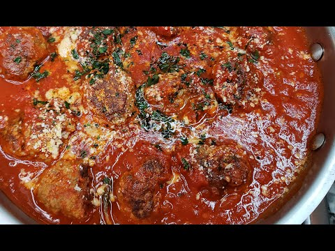 MEATBALLS | Homemade Pasta Sauce | Italian Style Meatballs
