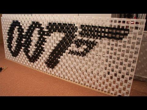 Movies in 92,000 dominoes