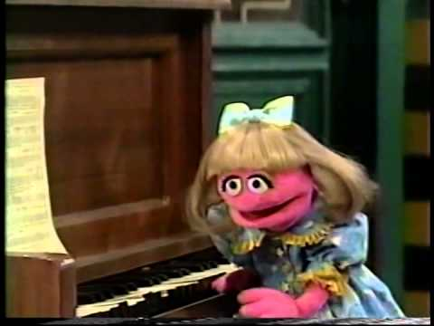 Sesame Street - Prairie Gives Maria the Gift of Music - YouTube