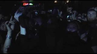 Hollywood Undead - Bottle And A Gun (Whats In a Name Interlude) (Live)