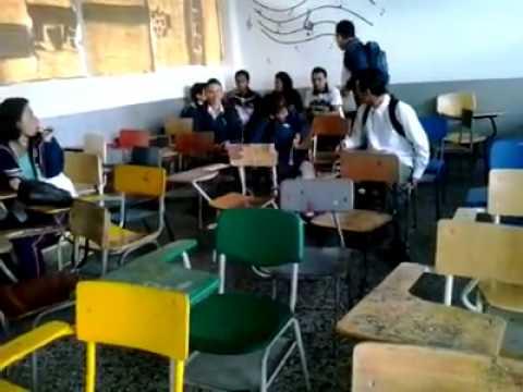 TERREMOTO EN EL SALON DE CLASES :3 - YouTube