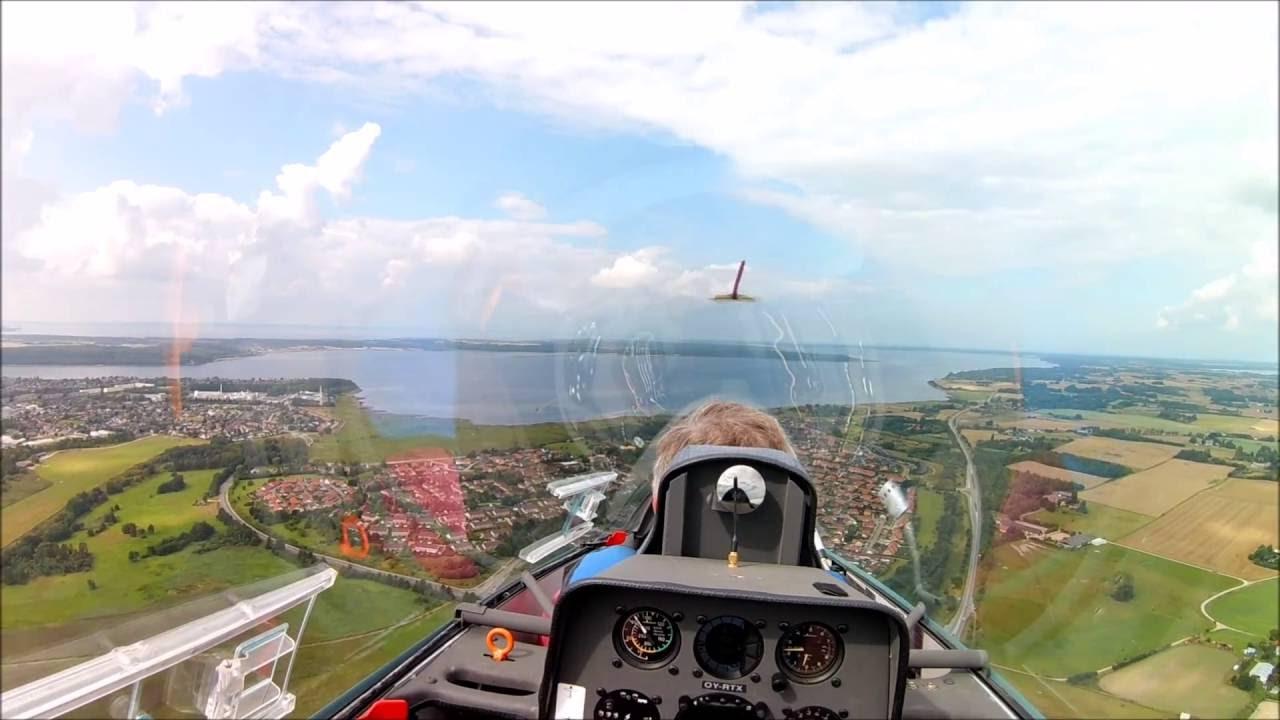 Flying the Schempp-Hirth Duo D...