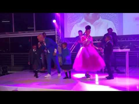 Mafikizolo singing Emlanjeni