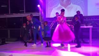 Gambar cover Mafikizolo singing Emlanjeni