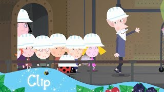 Ben and Holly 39 s Little Kingdom A tour of the Elf Factory