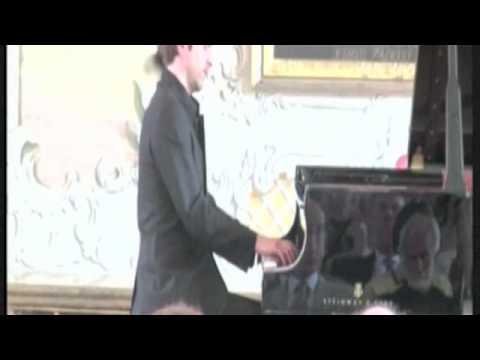 """Herbert Schuch plays Ravel's Gaspard de la nuit """"Ondine"""""""