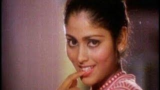 Pakkinti Ammayi Songs - Chilaka Palakave - Jayasudha - Chandra Mohan