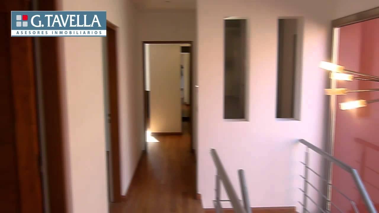 Parque leloir casa minimalista en dos plantas cod for Casa de los azulejos por dentro