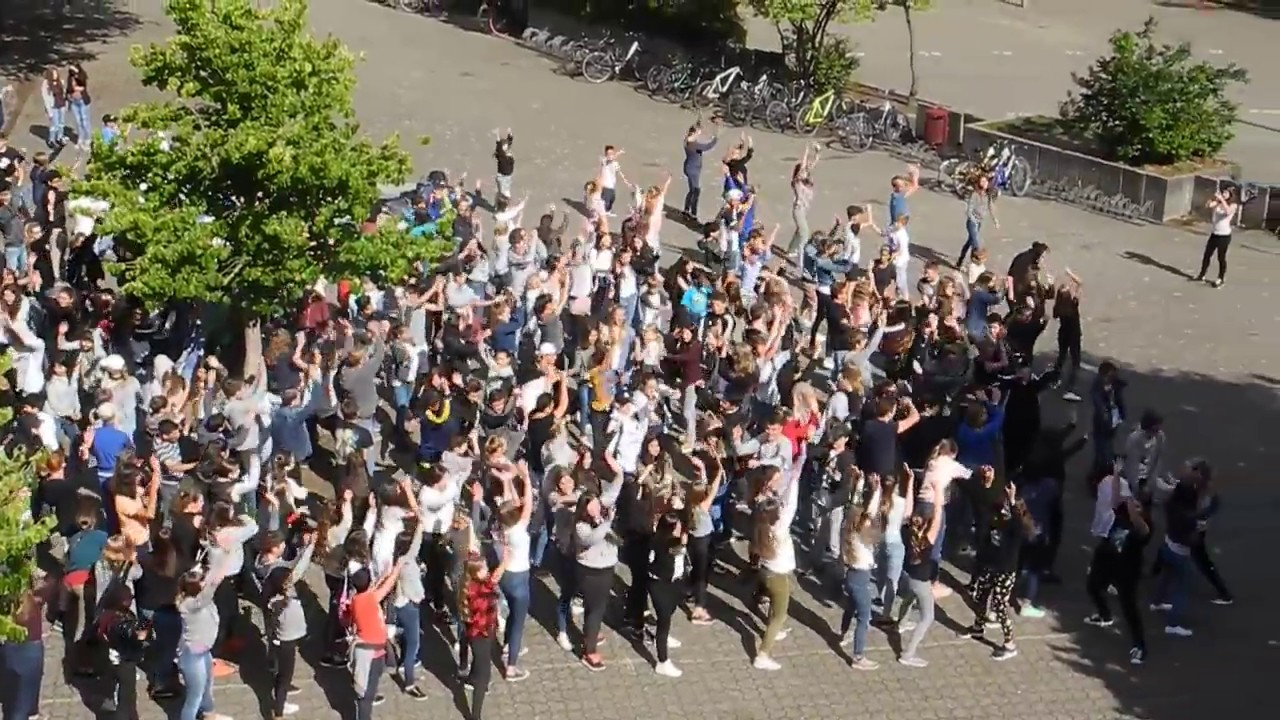 Flashmob zur Verabschiedung unserer lieben Konrektorin