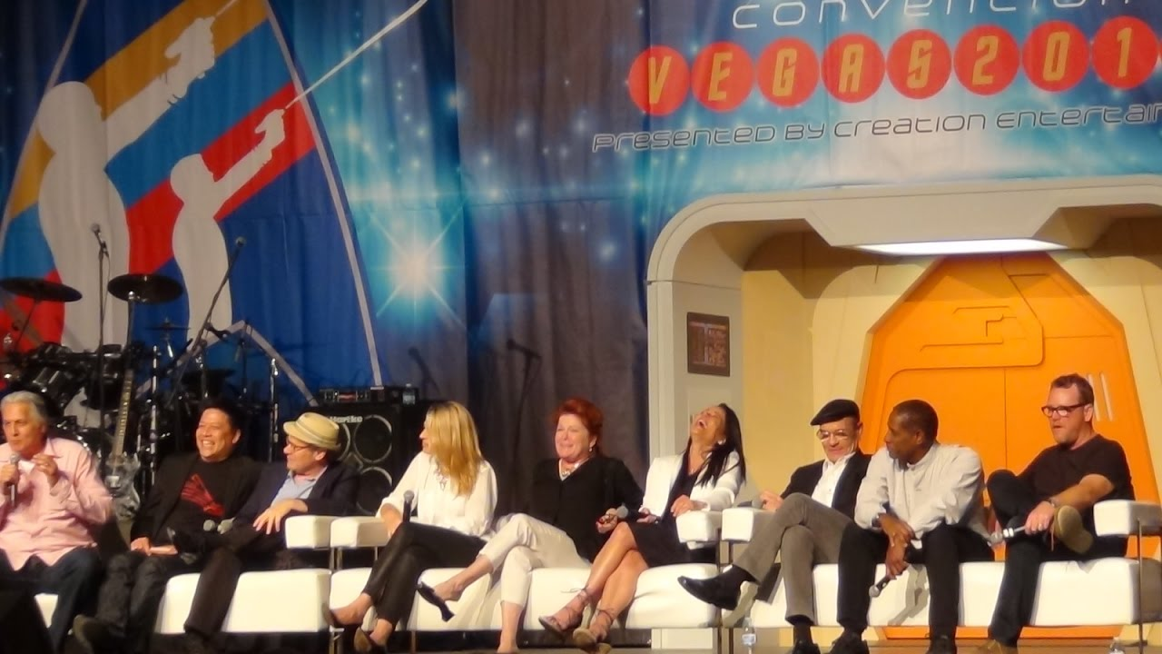 Download Voyager main title theme with a Cast member reunion. Las Vegas Star Trek Convention 2015