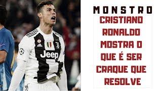 Cristiano Ronaldo faz o