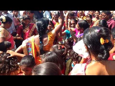 Gondi Dhemsa Folk Dance performing on Devi Visarjan Moment at Murdhoni