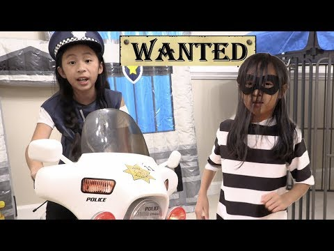 Pretend Play Police WANTED THIEF Using Lie Detector Test