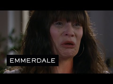 Emmerdale - Overwhelmed by Grief, Chas Breaks Down at Grace's Funeral
