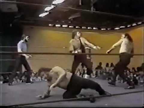Jerry Lawler, Koko Ware Vs Bounty Hunters - Beatdown On Lawler Fails (1981) Memphis Wrestling