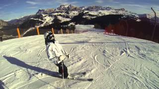 Vallon Alta Badia, pista nera, preceduto da una professionista di sci, che tecnica! GoPro