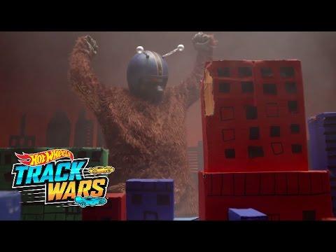 Mega-Monster Attack  Track Wars  Hot Wheels