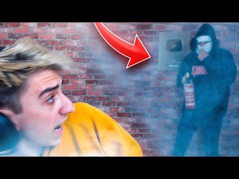 ME TROLLEAN JUGANDO FORTNITE (Extintor en mi habitación)