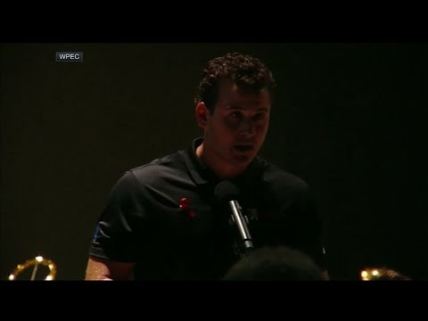 Anthony Rizzo emotional at vigil after shooting at his high school in Parkland, Florida | ESPN